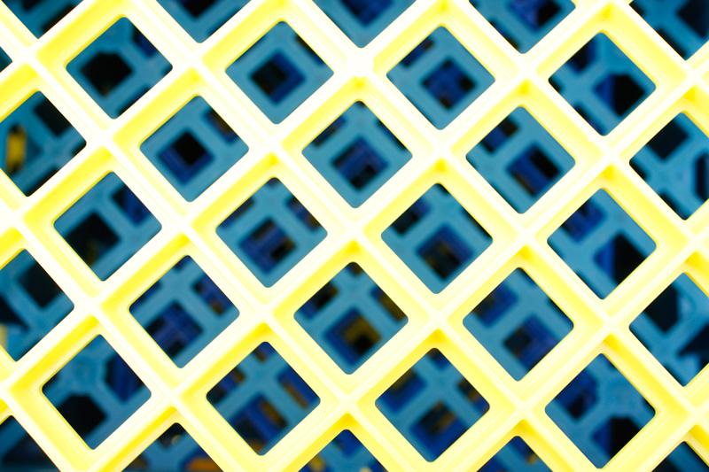 plastic-crate-box-hexagons