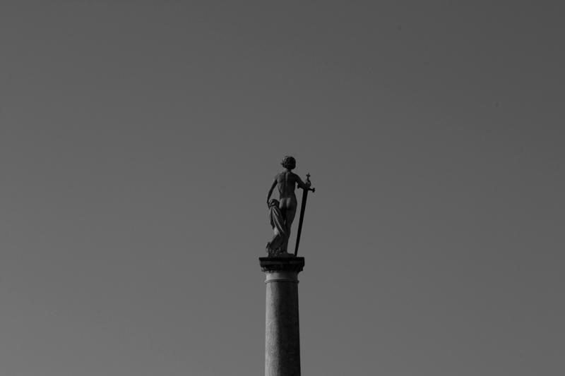 jardin-du-luxembourg-statue-2