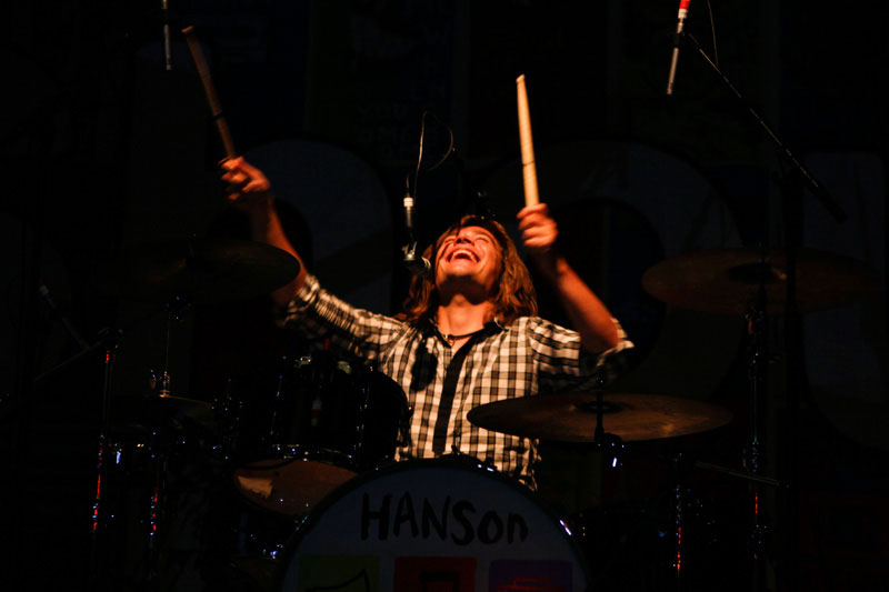 hanson-live-gig-photos-shout-it-out-tour-02