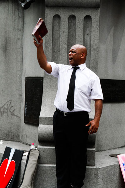 street-preacher-sydney-2