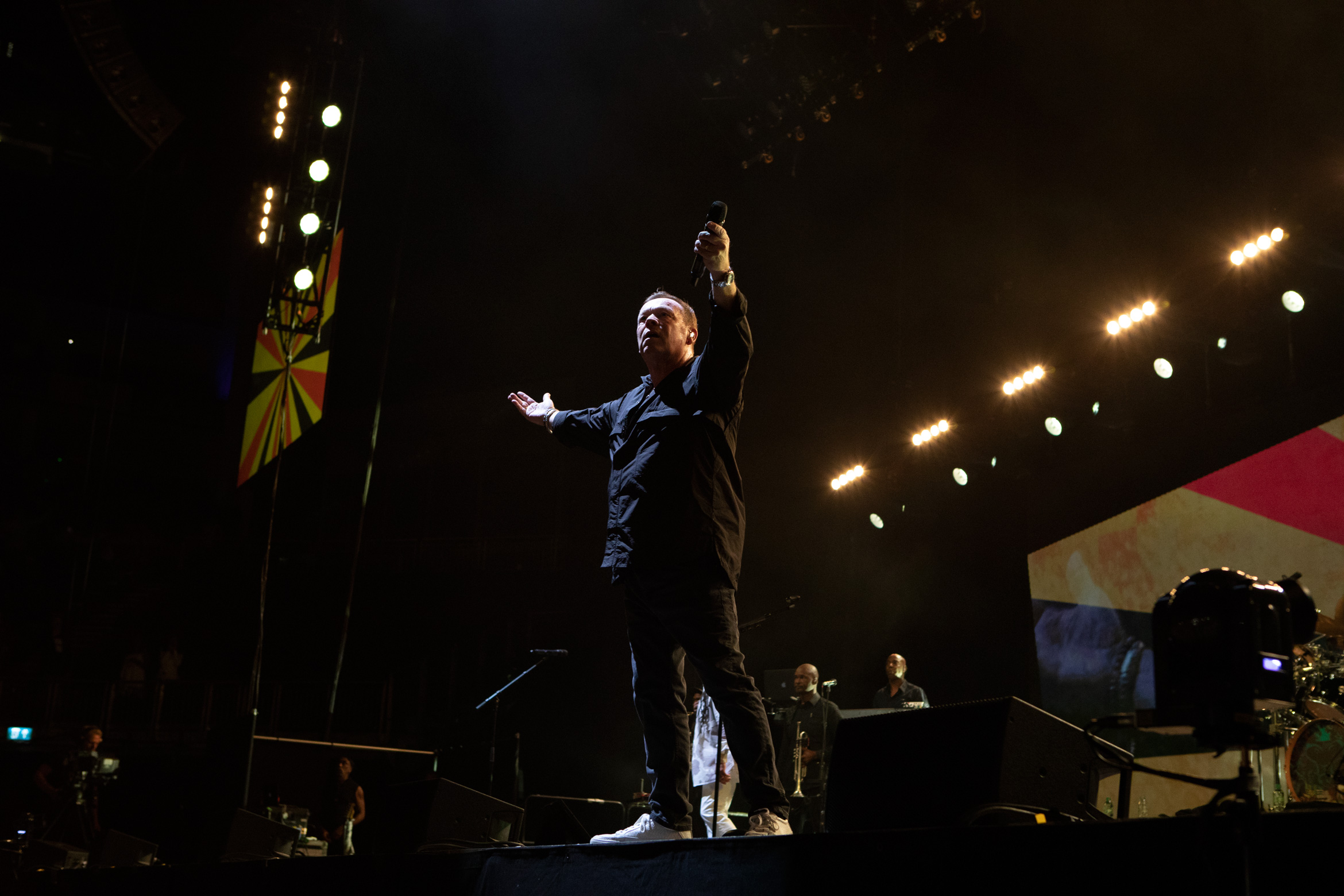 ub40_O2_arena_london_2019_james_watkins_28