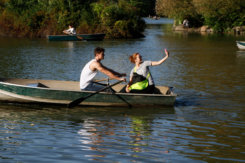 central-park-lake-boat