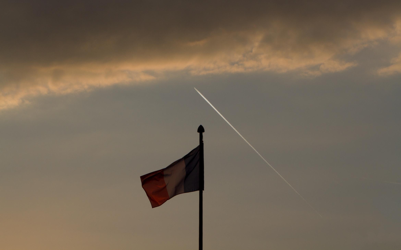 french-flag-paris
