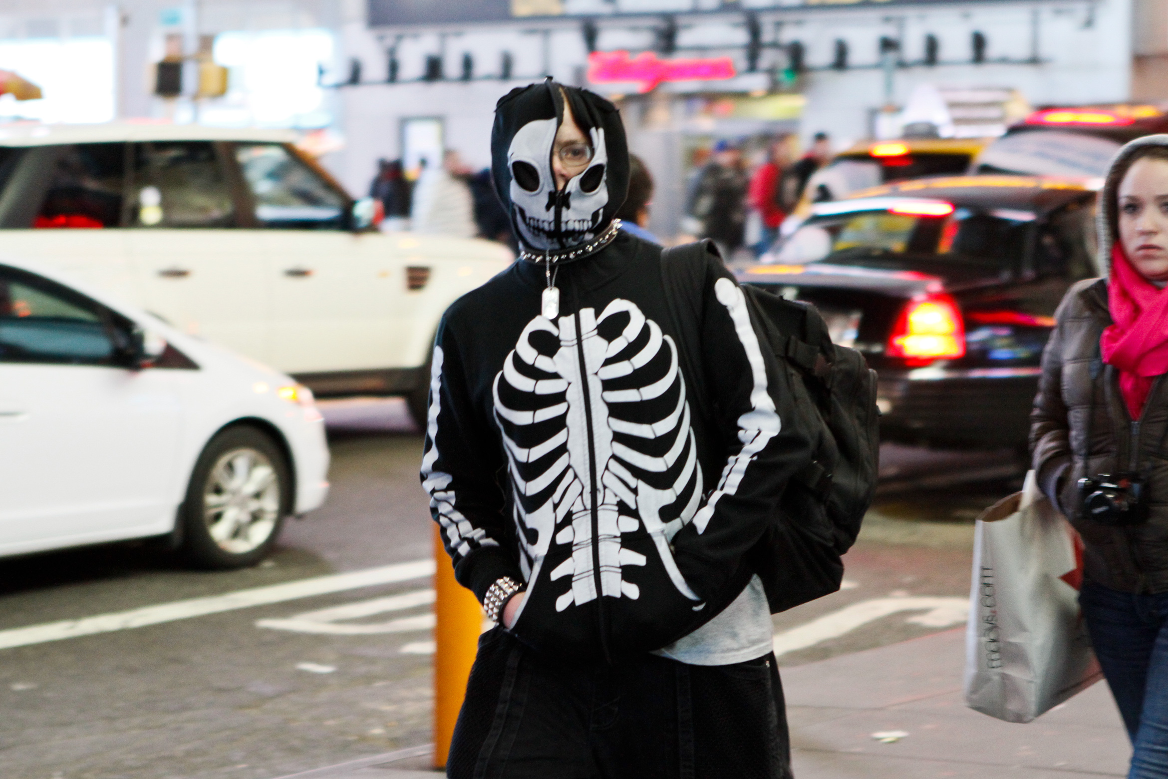 new-york-skeleton-outfit-goth