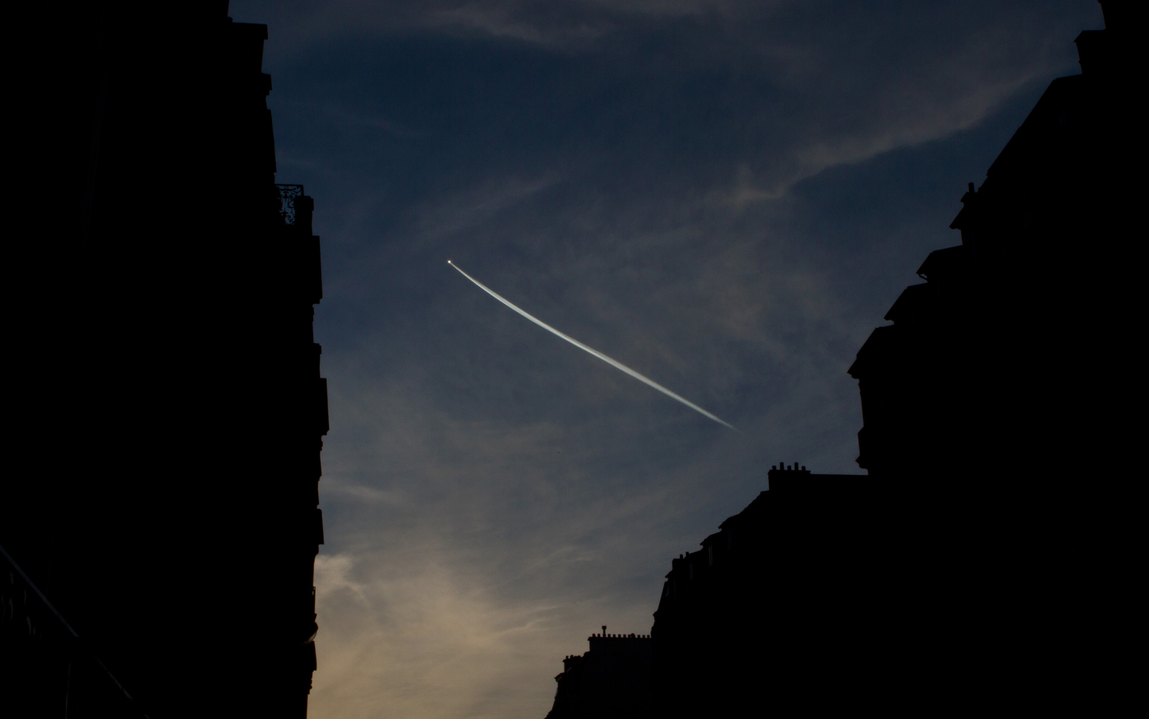 paris-flight-path