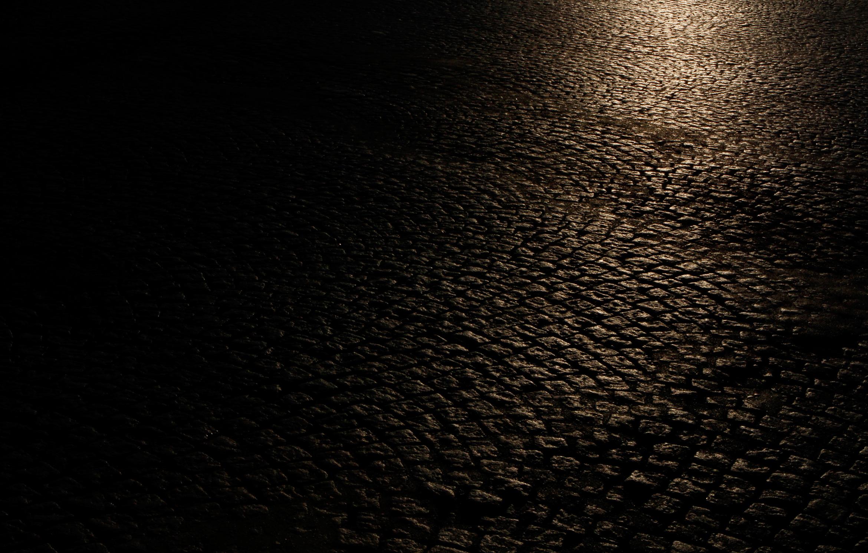 paris-street-cobbles-light