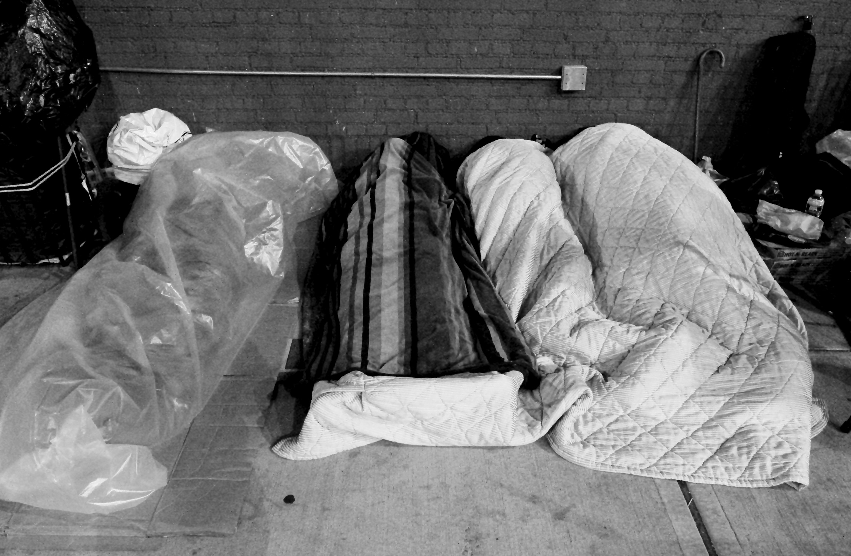 new-york-sleeping-on-the-street