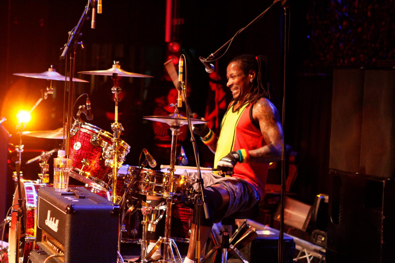 d-h-peligro-dead-kennedys-drummer