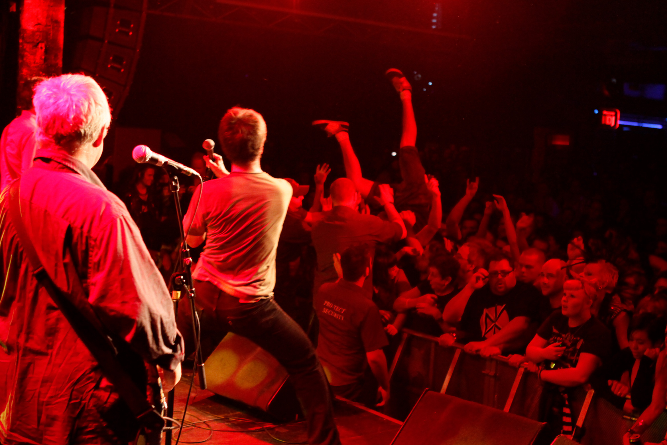 dead-kennedys-concert-2