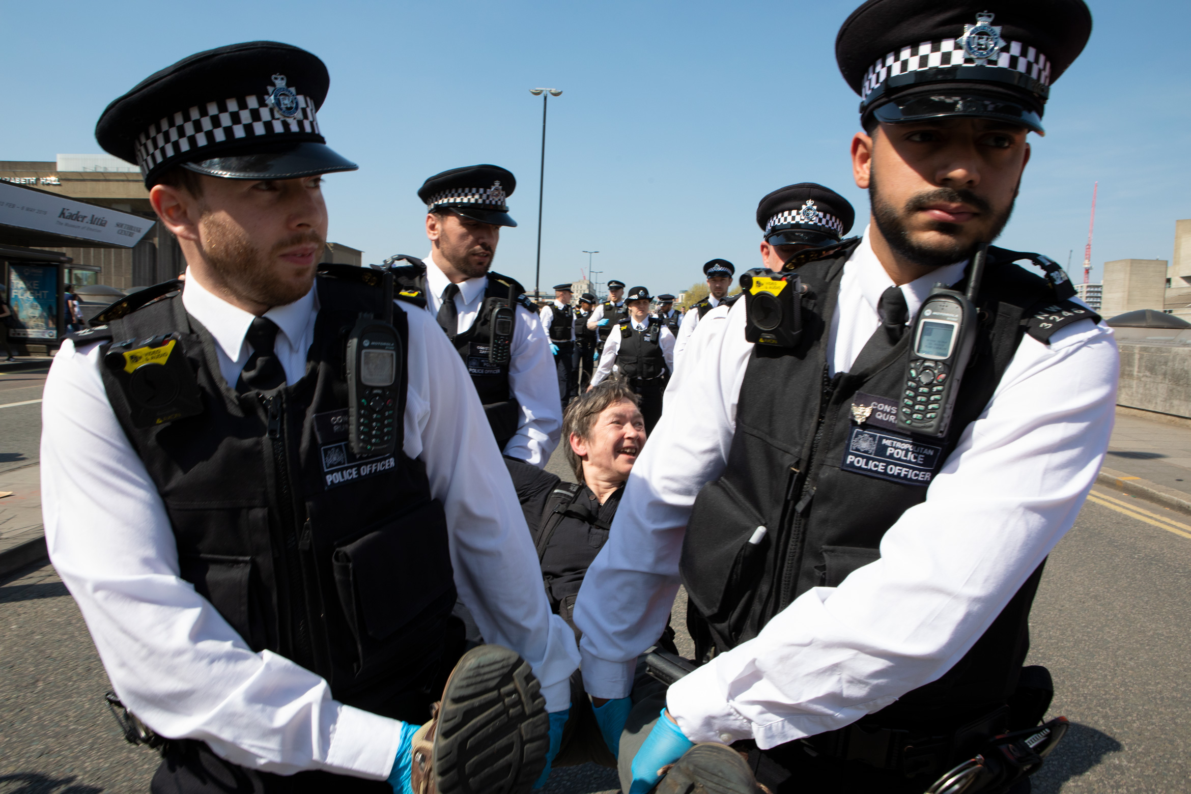 london-met-police-arrests-waterloo-bridge