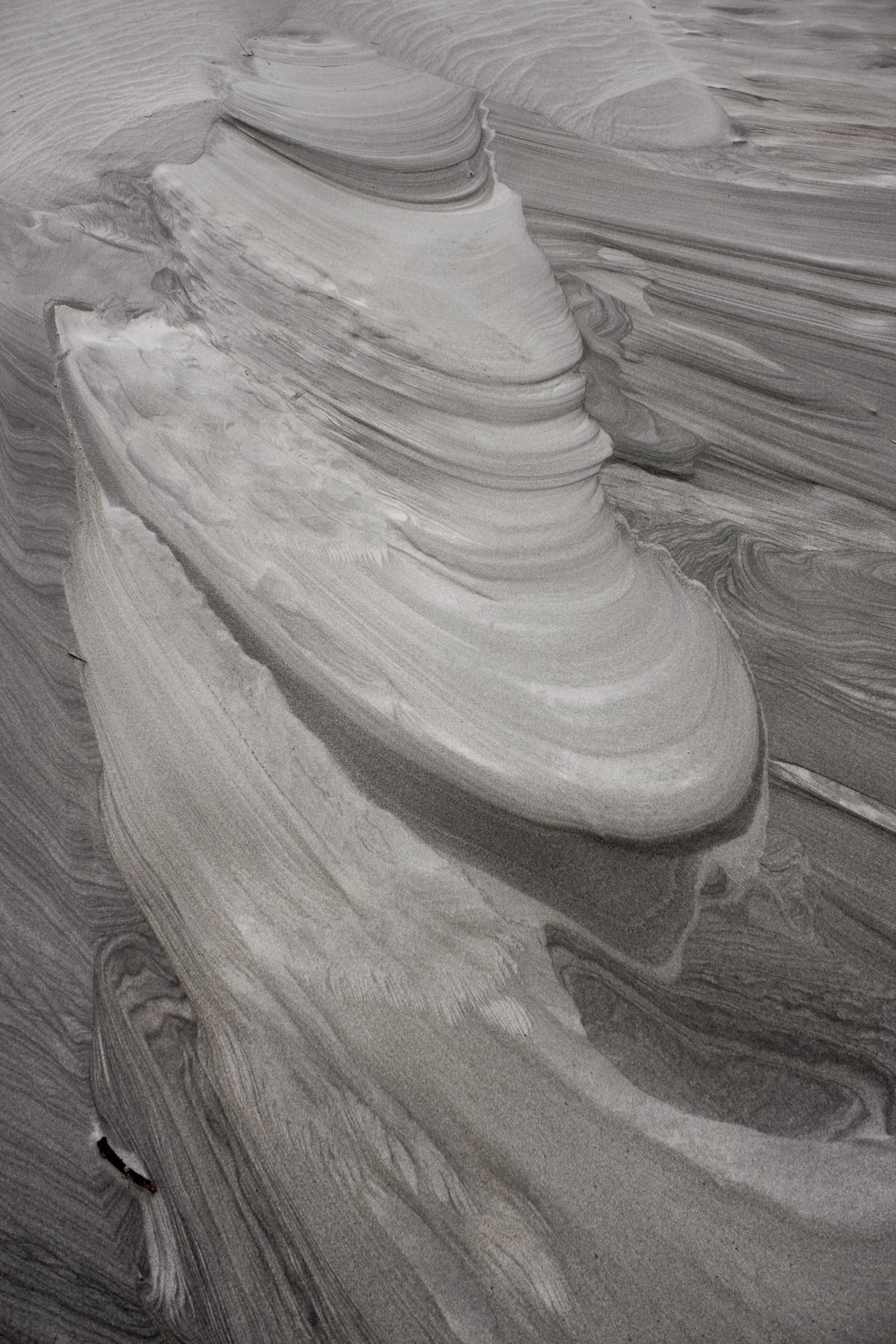 new-zealand-nz-black-sand-beaches